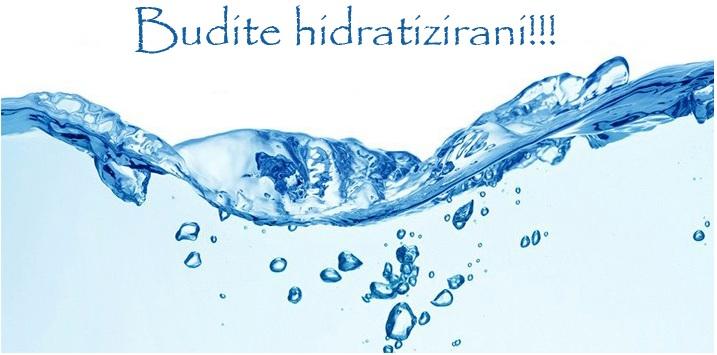 Budite hidratizirani. Pijte što više vode. Voda je dobra za opće zdravlje.